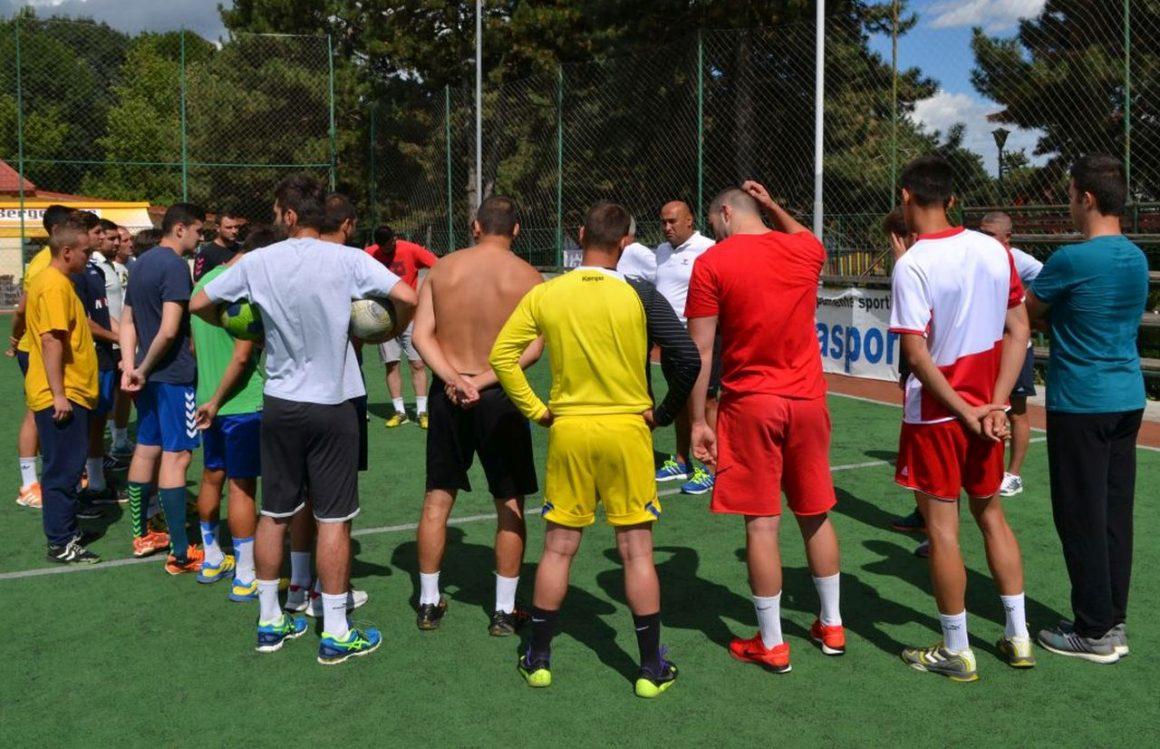 Echipa de handbal masculin joacă mâine cu CSM Făgăraş