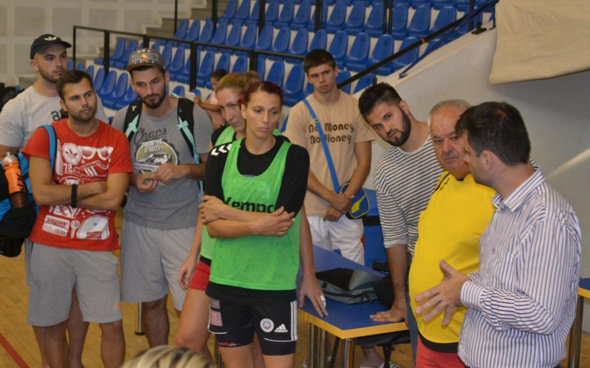 Handbalistele şi handbaliştii de la CSM Ploieşti s-au întâlnit cu Primarul Ploieştiului, Adrian Dobre!