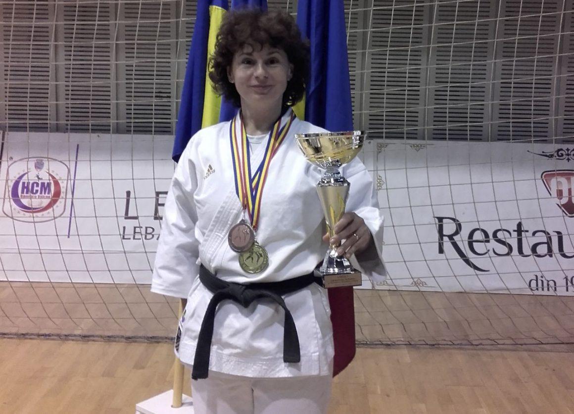 Medalii pentru Gabriela Vasilescu la Campionatul Naţional de Karate al Ministerului Administraţiei şi Internelor!