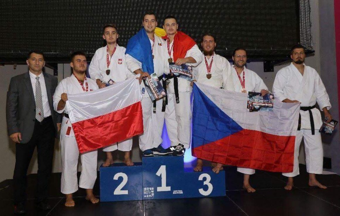 Aur pentru sportivii de la CSM Ploieşti la Campionatul European de Karate Tradiţional Fudokan!
