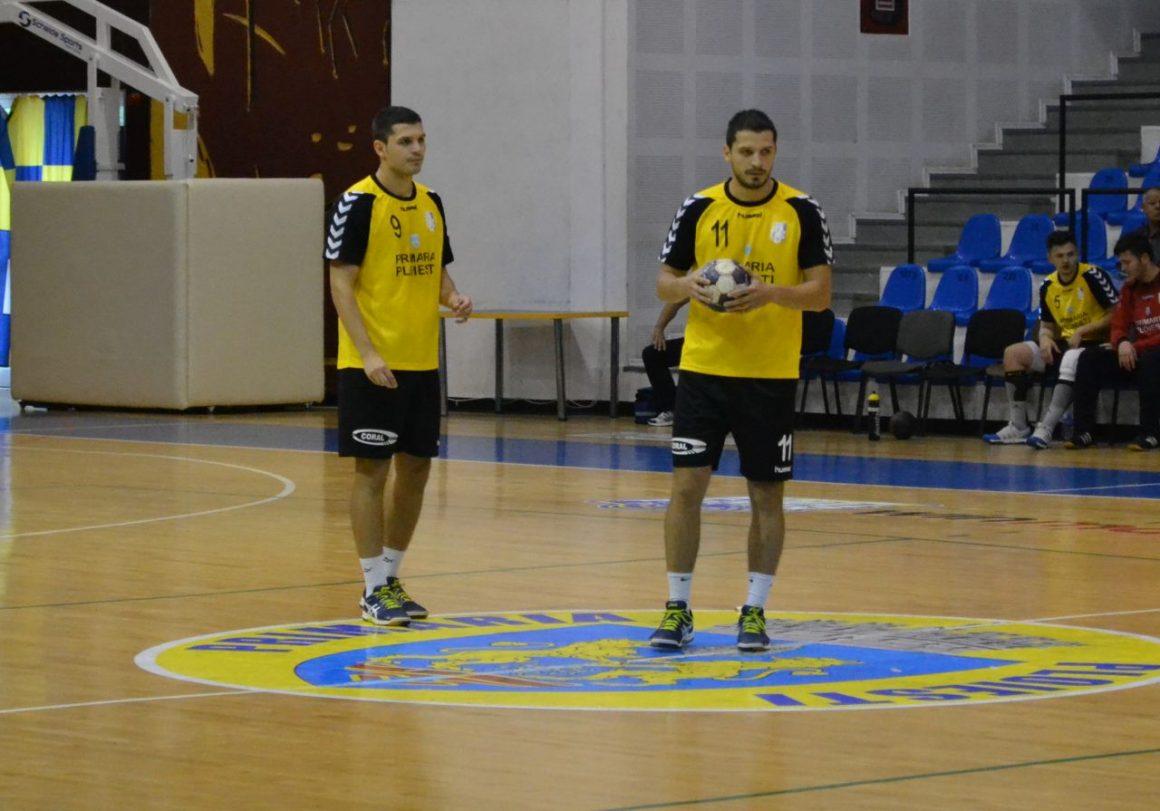 Handbaliştii joacă, mâine, la Târgovişte fără fraţii Farcaş!