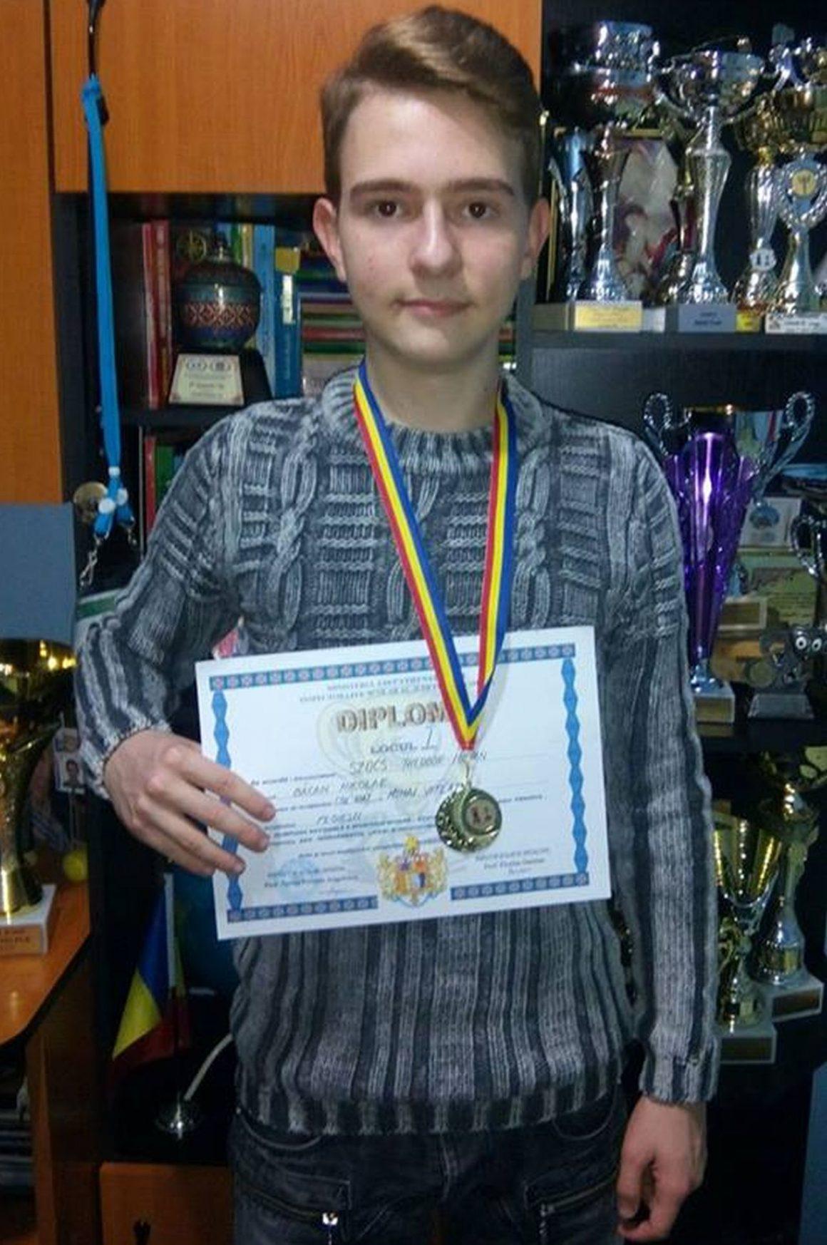 Şahistul Iulian Szocs, aur la faza judeţeană a Olimpiadei liceelor!
