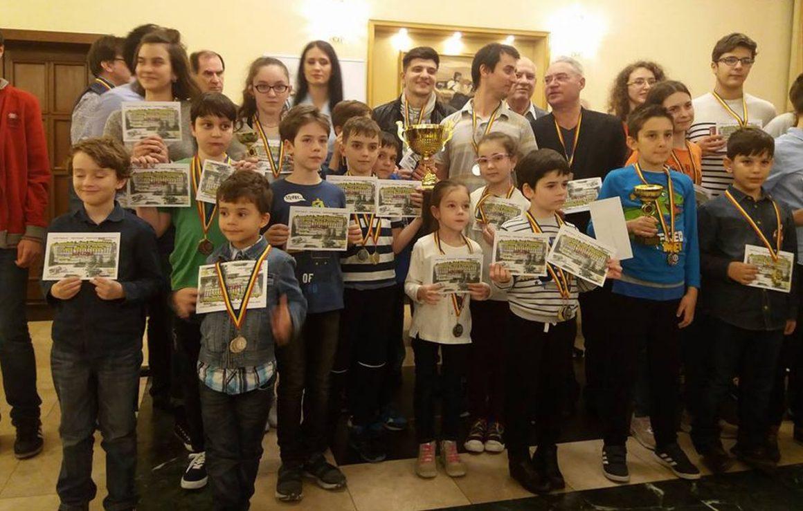 """Şahiştii de la CSM Ploieşti, 11 medalii la Cupa """"Hotel Central"""" – Memorialul """"Paul Diaconescu""""!"""