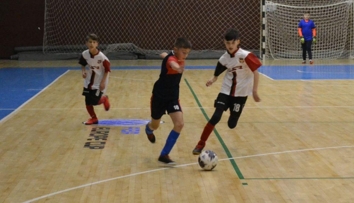 Selecţie la grupele secţiei de fotbal de la CSM Ploieşti!
