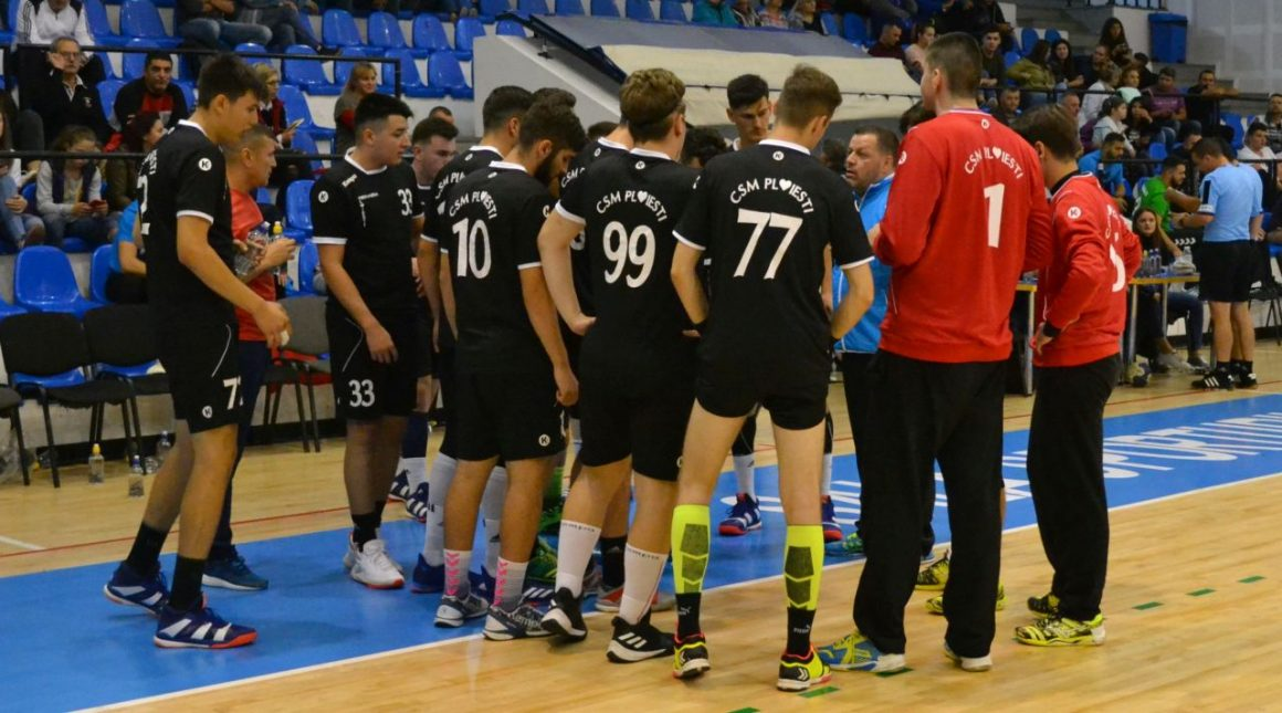 Echipa de handbal juniori 1, debut cu dreptul în Grupa Valoare 1!