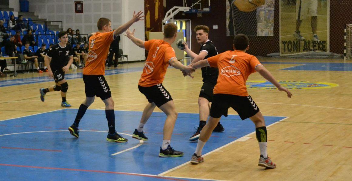 Echipa de handbal juniori 2, eşec în faţa liderului Grupei Valoare 4, Academia Minaur