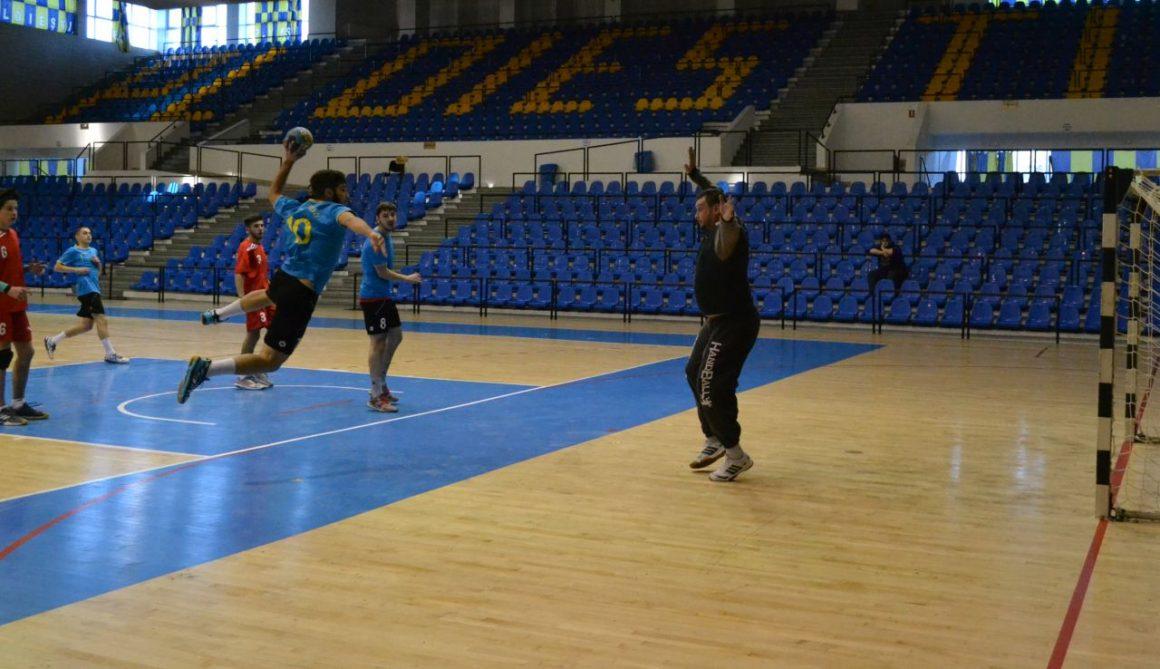 Handbaliştii de la CSM Ploieşti, la a doua victorie stagională în Divizia A!