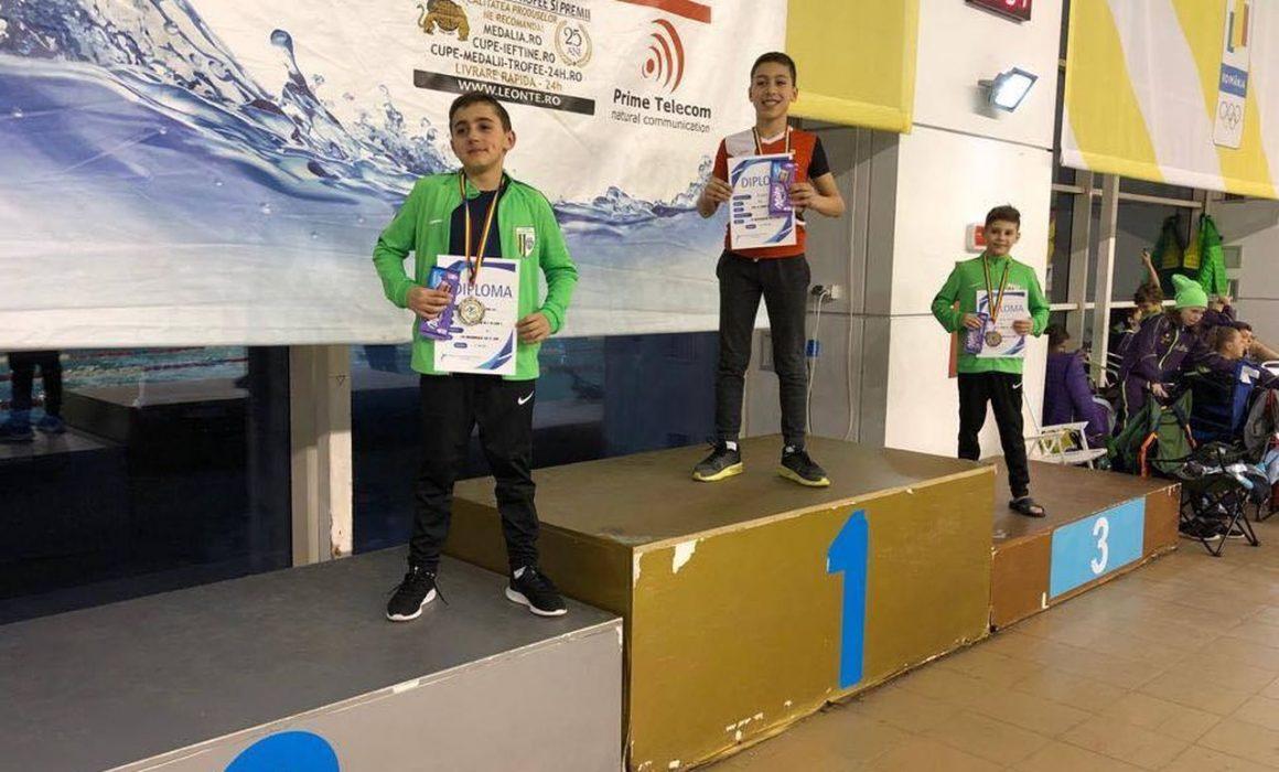 Înotătorii de la CSM Ploieşti, 3 medalii la Campionatul Naţional Regional, de la Izvorani!