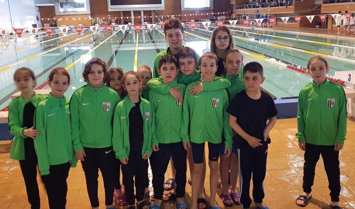 Înotătorii de la CSM Ploieşti, 13 medalii cucerite, în weekend, la Cupa Lalelelor!