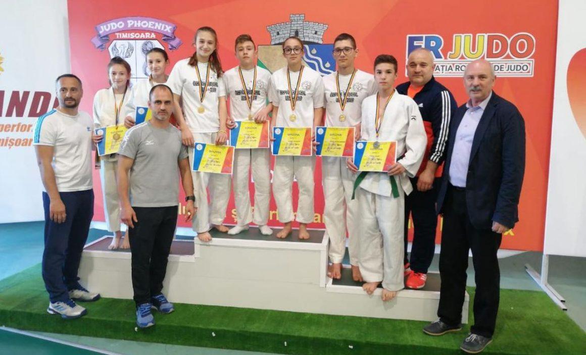 """Judoka de la CSM-CFR-CSŞ Ploieşti, 11 medalii la Finala CN """"U15"""" şi """"U13""""!"""