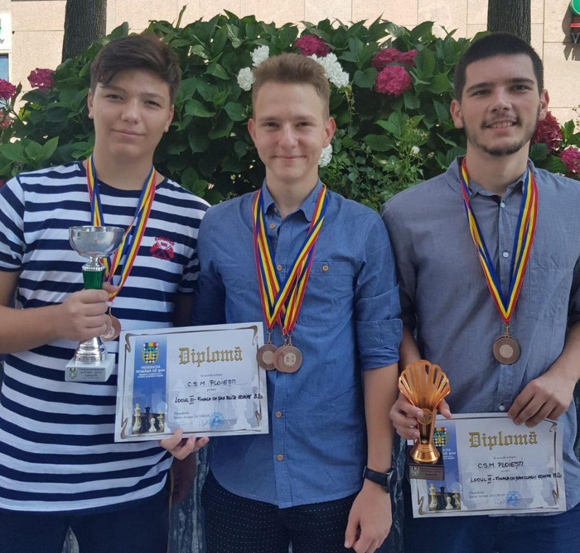 Şahiştii de la CSM Ploieşti, de două ori bronz la Campionatele Naţionale pe echipe!