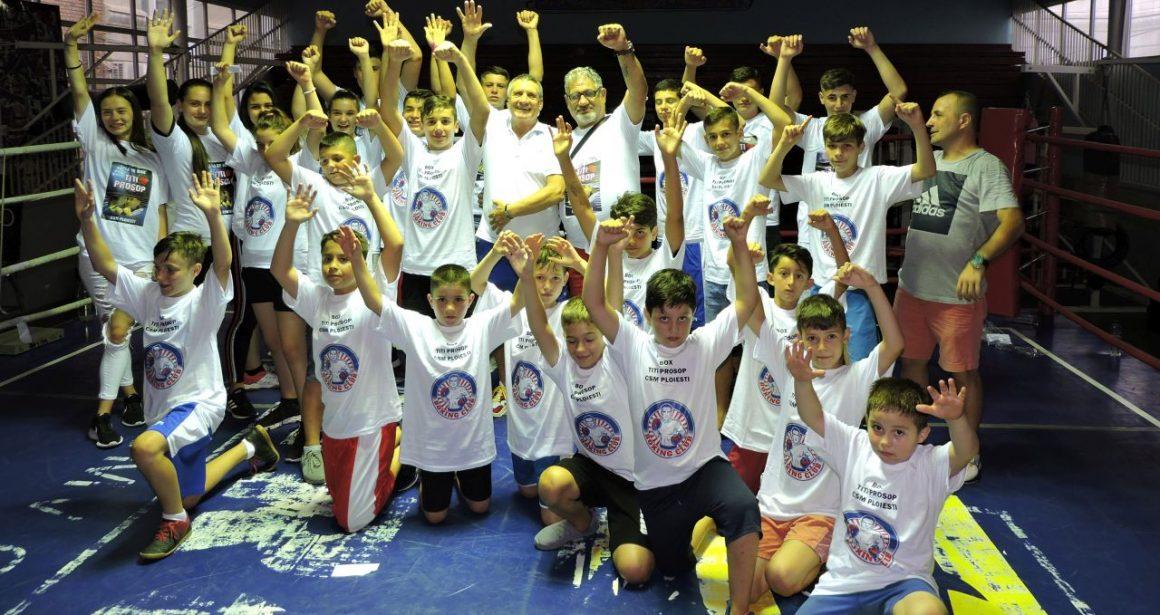 """Vineri după-amiază a avut loc prima gala de box în Sala """"Titi Prosop""""!"""