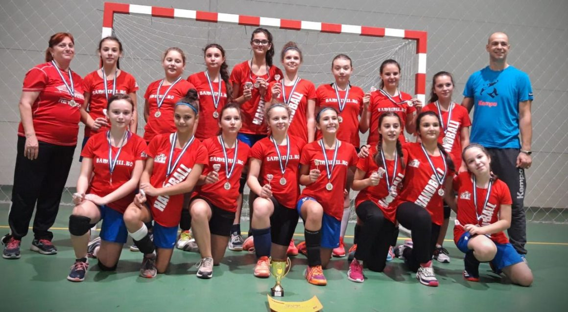 """Echipa de handbal Junioare 4 a câştigat, ieri, """"Cupa Prieteniei""""!"""