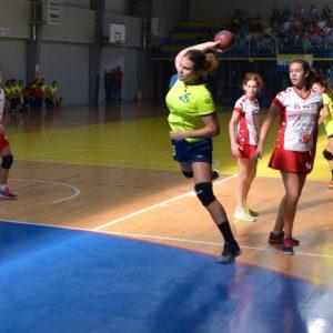 Echipa de handbal junioare 3, remiză spectaculoasă în derbiul cu CSŞ 6 Bucureşti!