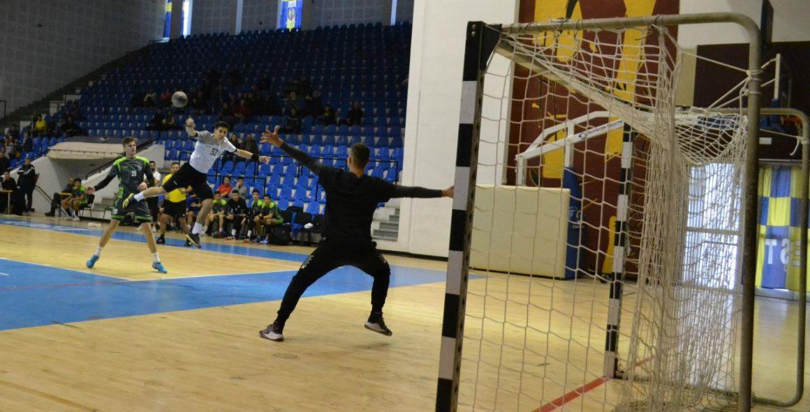 Echipa de handbal juniori 1, derbi fără emoţii cu ACS Tonus Bucureşti: 37-23!