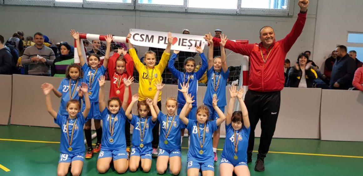 Fetele de la CSM Ploieşti, prezente la Festivalul Naţional de Baby Handbal Mixt!