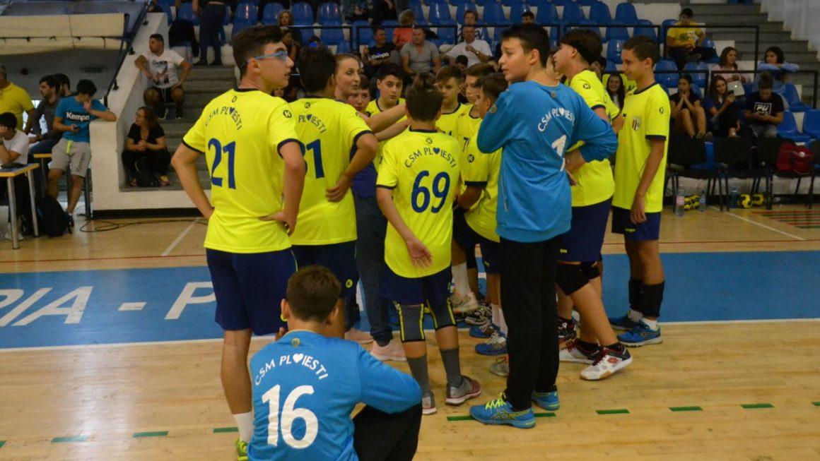 Echipa de handbal juniori 3 a clubului, victorie fără emoţii cu CSŞ Tecuci