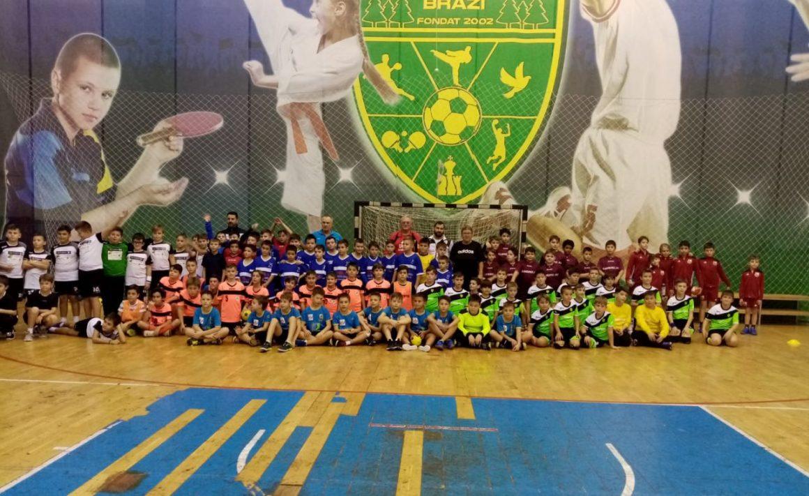 Echipele de minihandbal ale clubului, prezente la turneul al 2-lea judeţean, de la Brazi!