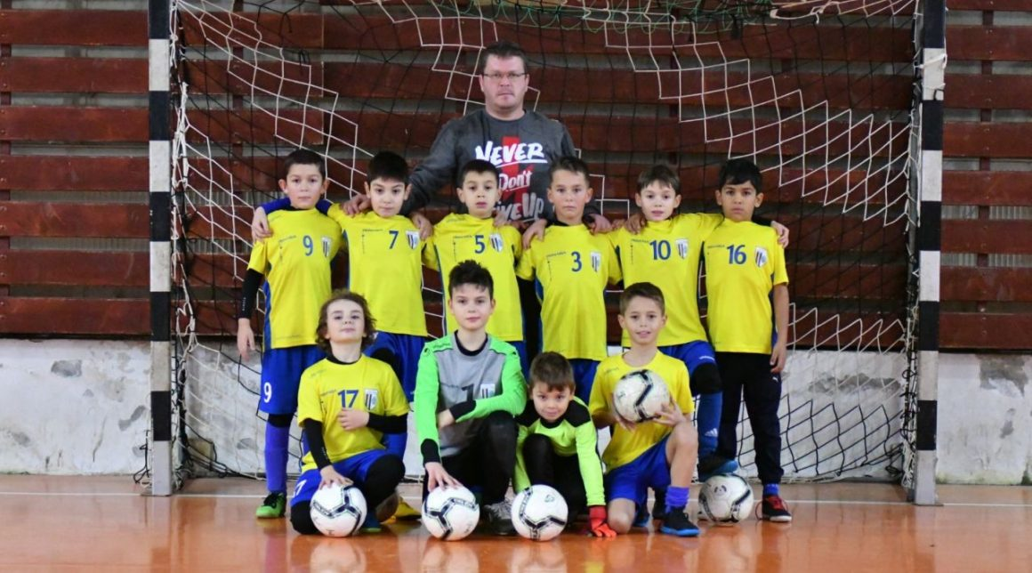 "Echipa de fotbal juniori 2011, locul 1 la ""Caraimanul Kid's Cup Winter 2019""!"