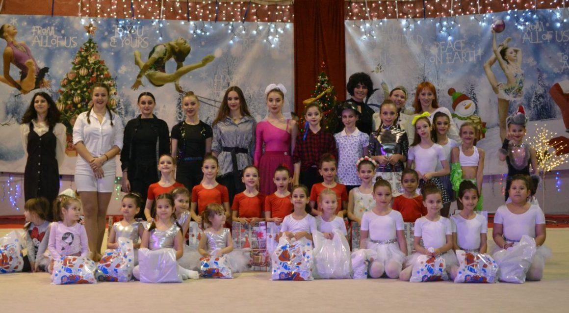 """Gimnastele de la CSM Ploieşti au făcut show la Gala de Crăciun din Sala """"Leonard Doroftei""""!"""