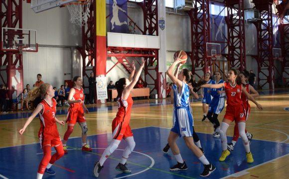 """Echipa de baschet fete """"U14"""", aproape de prima victorie cu BC Slam Bucureşti!"""