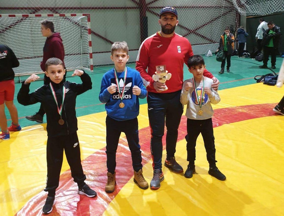 """Sportivii secţiei de sambo, trei medalii obţinute la Memorialul """"Lorincz Marton""""!"""