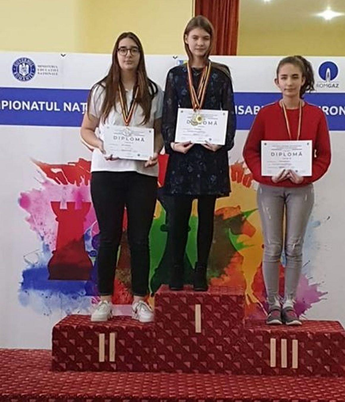 """Anamaria Raţă, 3 medalii de aur la Concursul Naţional Şcolar de Şah """"Elisabeta Polihroniade""""!"""