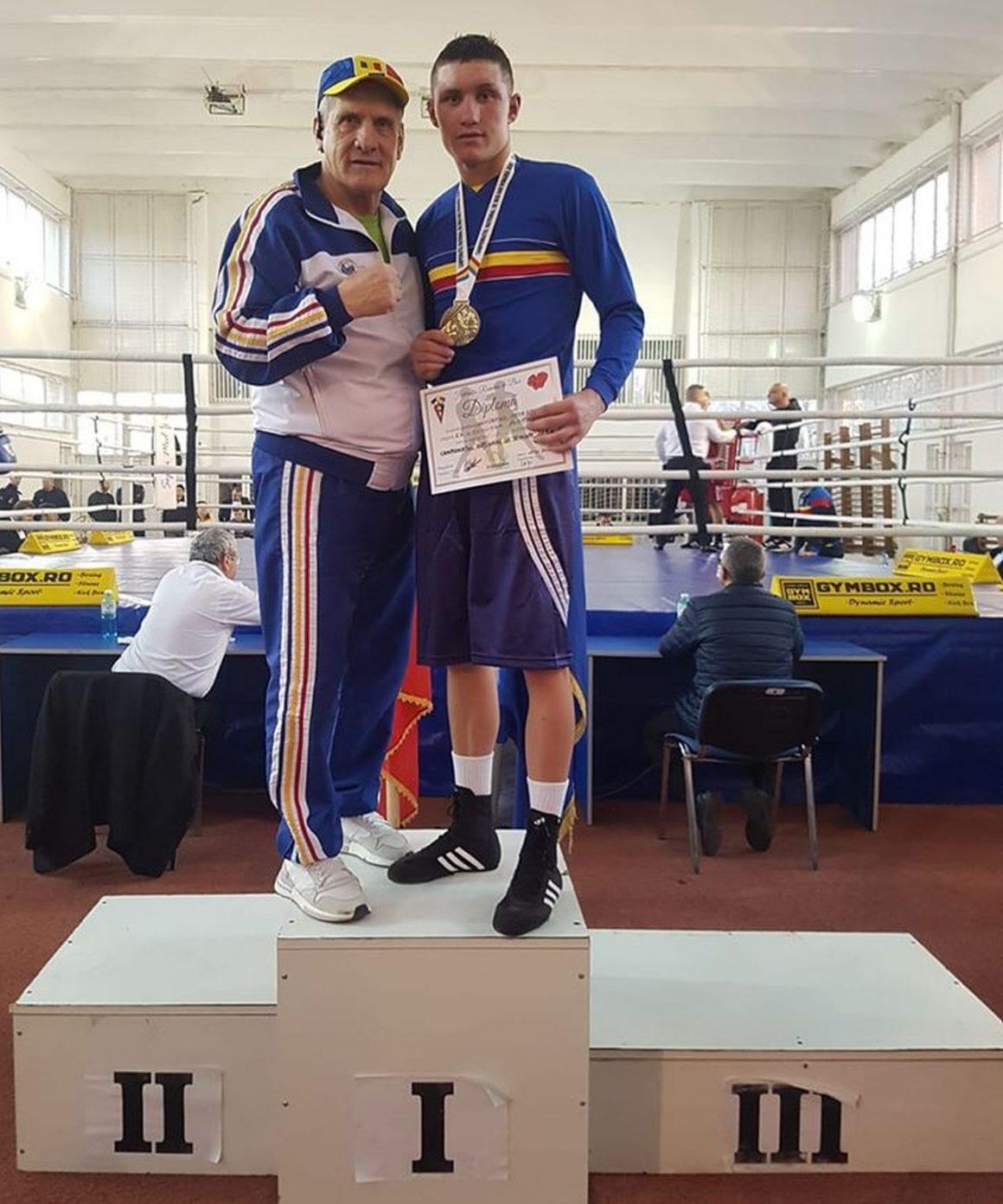 """Boxerul George Dumitrescu, din nou campion naţional de seniori la categoria """"63 kg""""!"""