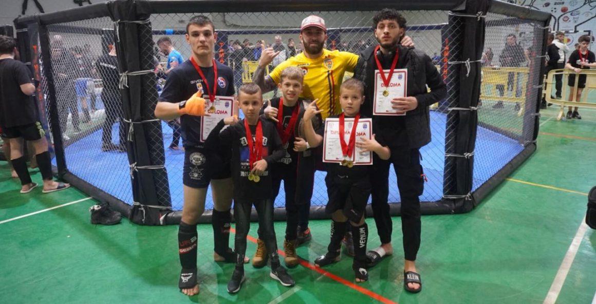 Sportivii secţiei de sambo, patru medalii de aur obţinute la Timişoara!