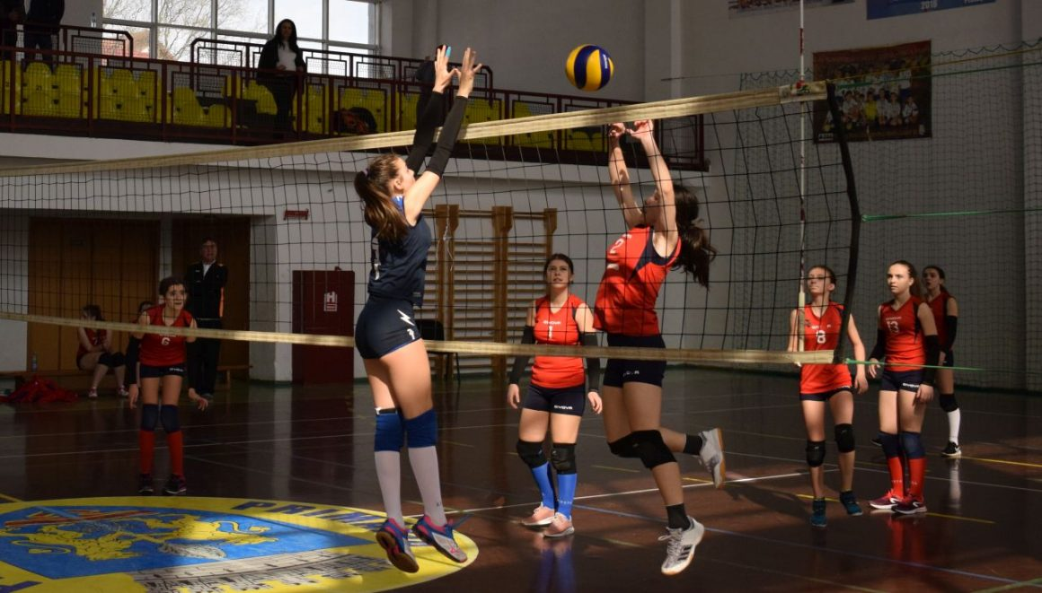 Final de sezon pentru echipa feminină de volei speranţe a clubului