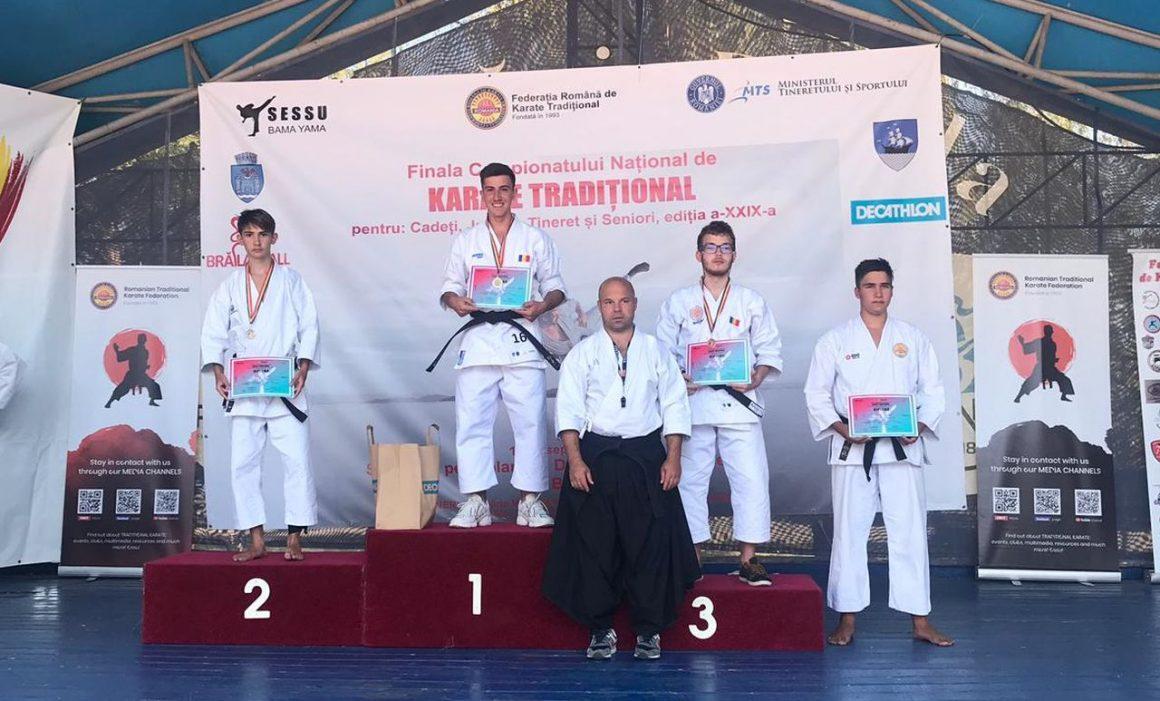 Sportivii de la CSM Ploieşti, opt medalii obţinute la Campionatului Naţional de Karate Tradiţional!