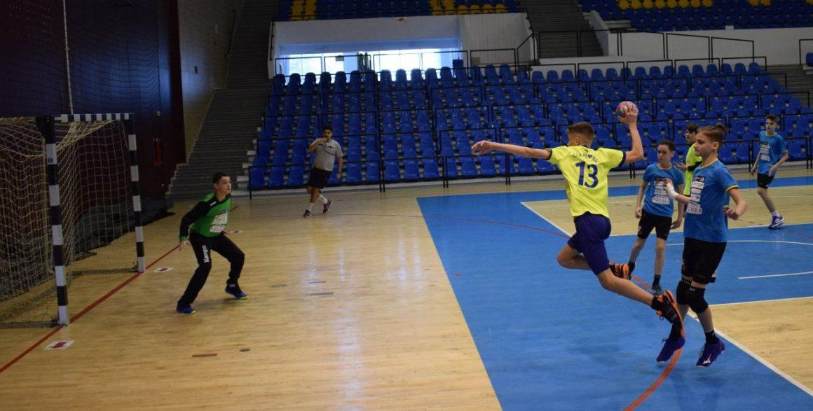 Echipa de handbal juniori 3, victorie clară la debutul în noul sezon: 40-22 cu HC Junior Buzău!