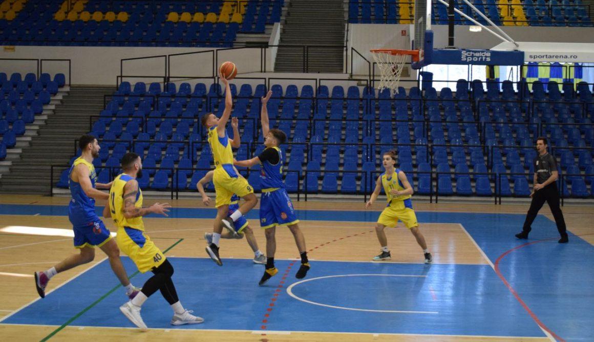 """Victorie importantă, astăzi, în """"Olimpia"""", pentru echipa de baschet masculin: 80-66 cu CSU 2 Sibiu!"""