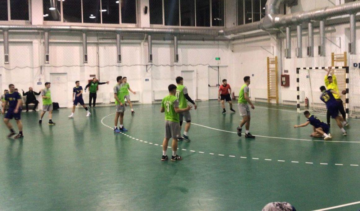 O remiză şi un eşec pentru echipa de handbal juniori 2, în primele meciuri de la Moreni!