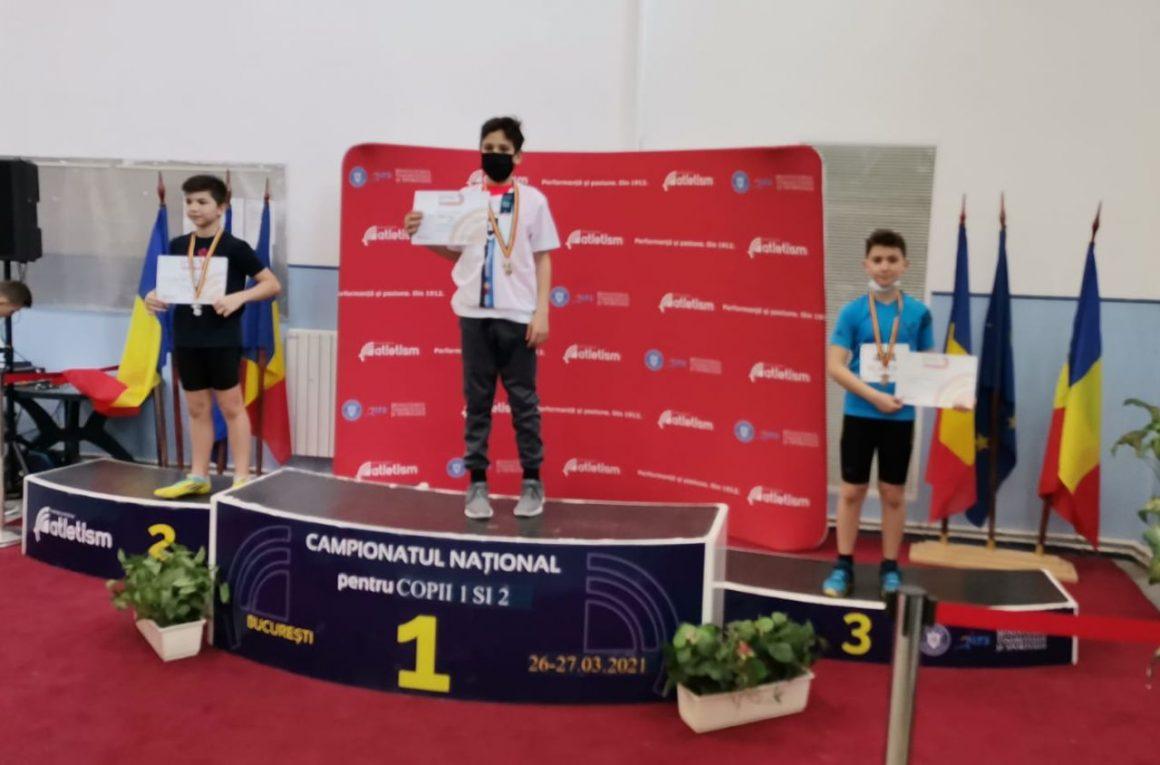 Atletul Mihai Vlădoiu, medalie de bronz la Finala Campionatului Naţional pentru copii 1 şi 2!