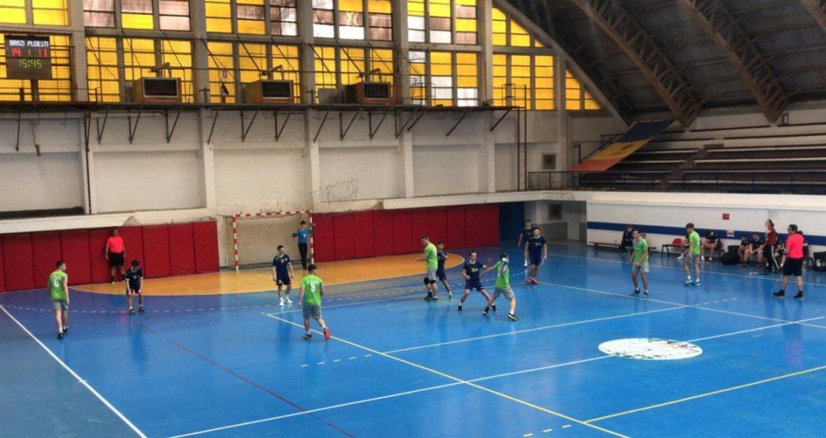 Echipa de handbal juniori 2 a pierdut primele două meciuri ale turneului de la Bucureşti