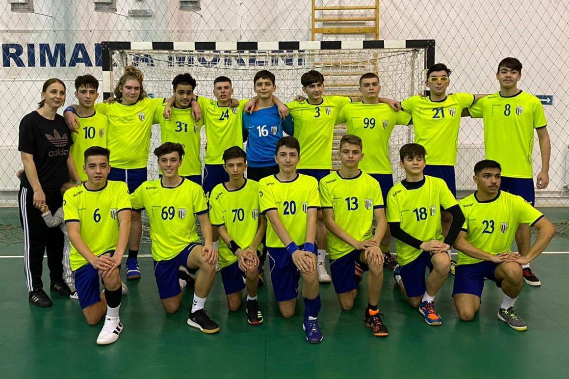Echipa de handbal juniori 2 participă, de mâine, la cel de-al 2-lea turneu al sezonului!