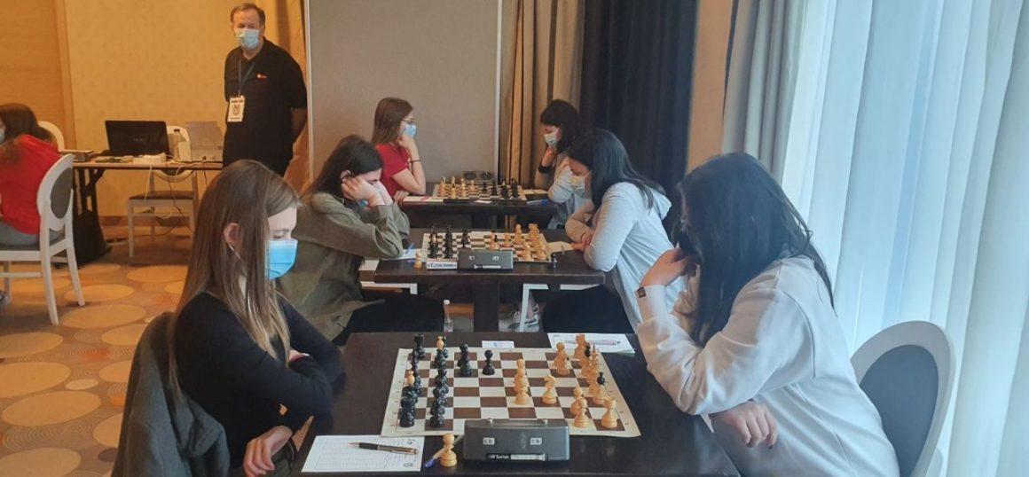 Şahiştii Anamaria Raţă şi Teodor Szocs, locul 5 la Campionatele Naţionale pentru Juniori