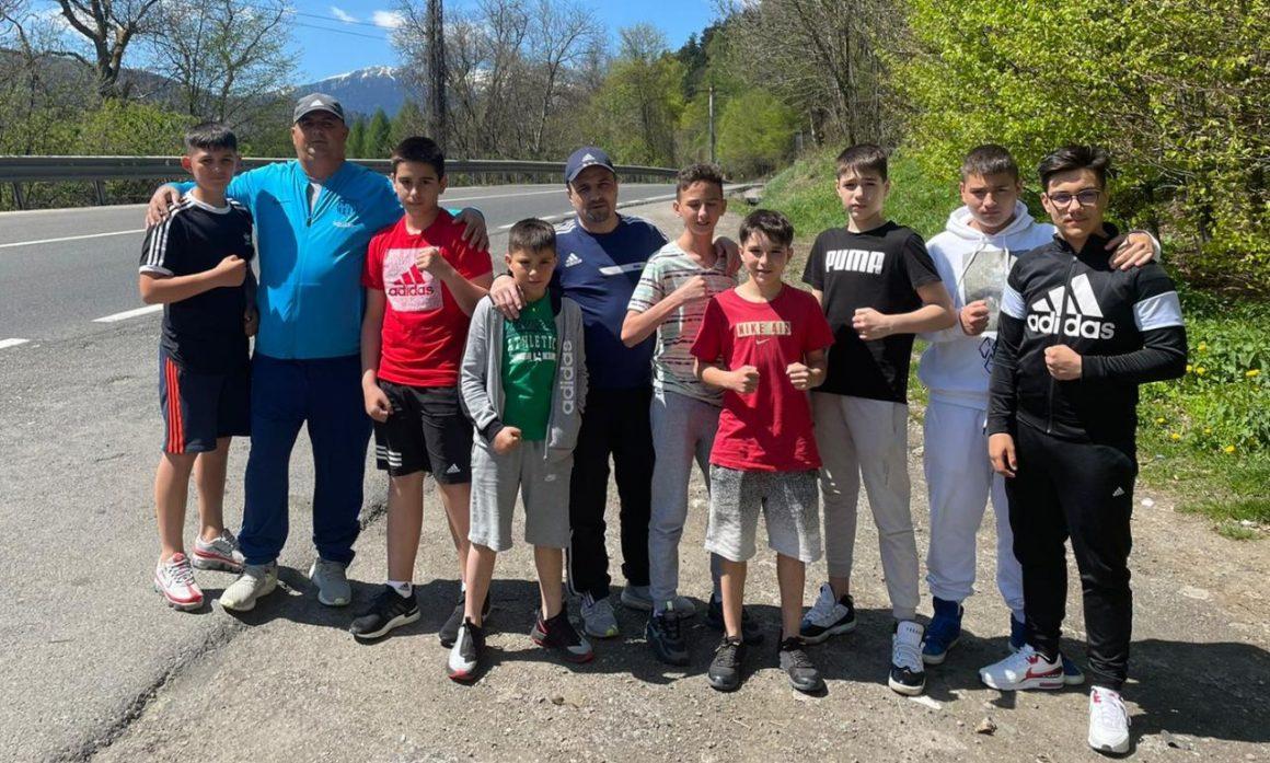 Opt boxeri de la CSM Ploieşti participă, la Arad, la Cupa României pentru Cadeţi!