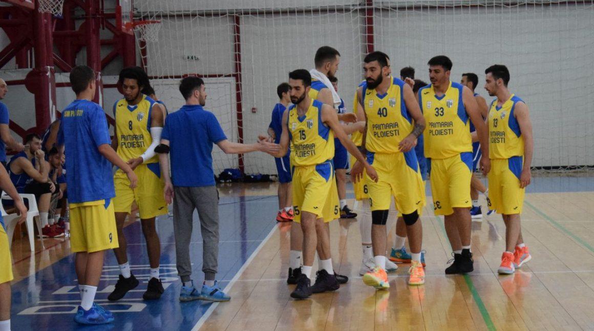 Baschet seniori: lideri ai sezonului regular după un thriller cu CSU Cluj-Napoca, 70-68!