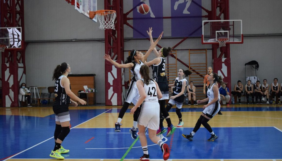"""Baschet fete """"U15"""": victorie cu Sportul şi CSM Ploieşti s-a calificat în semifinalele campionatului!"""