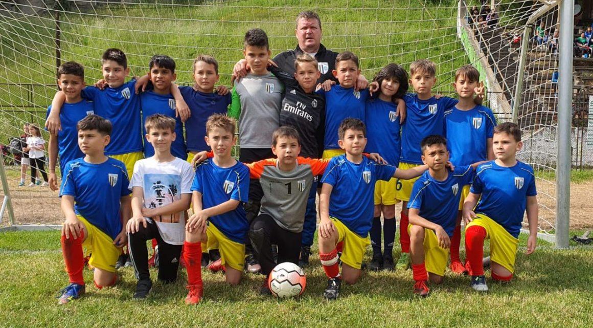 """Echipa de juniori """"2011"""", calificată în finala… nedisputată a  """"Caraimanul Kid's Cup""""!"""