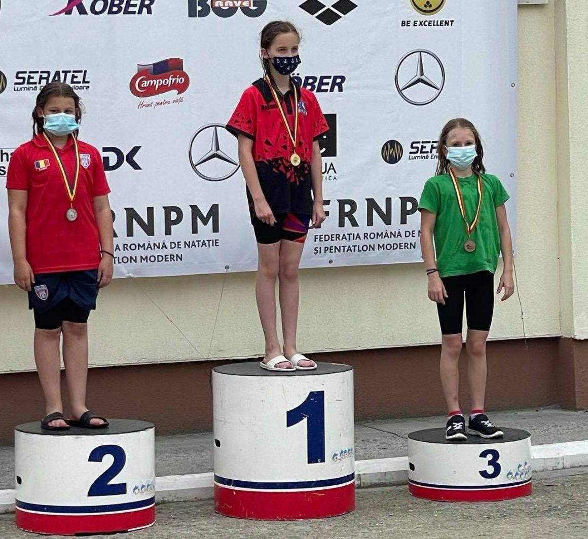 Înot: Alexandra Avram, medaliată cu bronz la Campionatul Naţional pentru copii 10-11 ani!