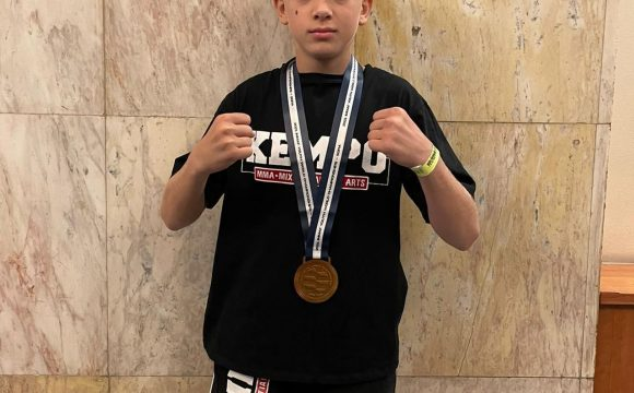 """Edwin Petrea, medaliat cu bronz la Campionatele Mondiale de MMA """"U18""""!"""