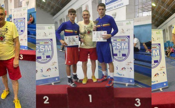 Boxerii Iulian Dumitrescu şi Marian Ghinoiu, campioni naţionali de tineret!