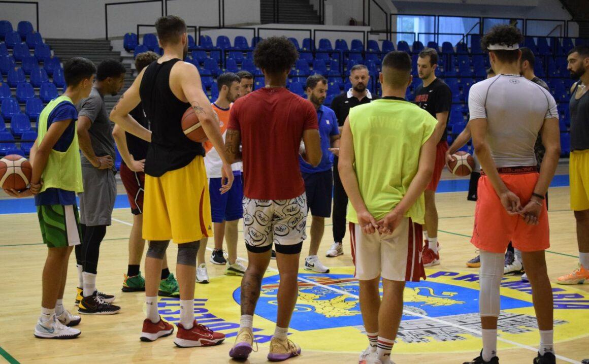 """Echipa de baschet seniori, în săptămâna primelor amicale: mâine, în """"Olimpia"""", cu CSO Voluntari!"""