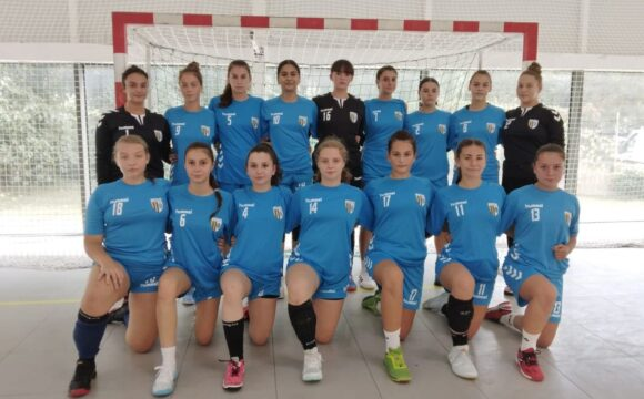 Debut cu două victorii şi o înfrângere pentru echipele de handbal juniori 2 şi 3 ale clubului