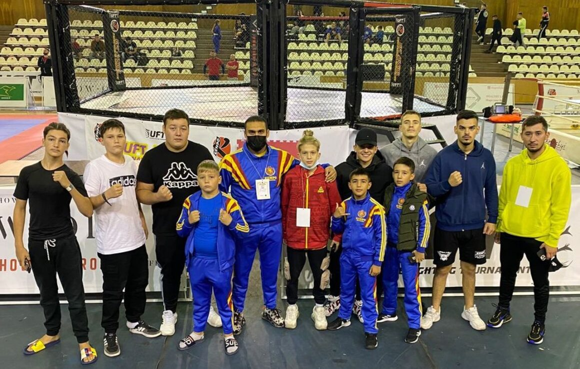 Kempo: CSM Ploieşti, 14 medalii cucerite la Ultimate Fighting Tournament, de la Cluj-Napoca!